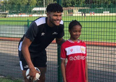 Keynsham Bristol meet July 2019 - signing